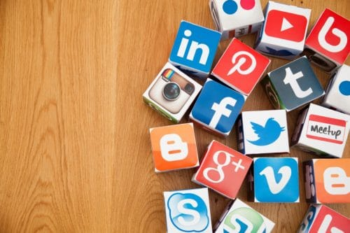 How to use Social media for pharma companies